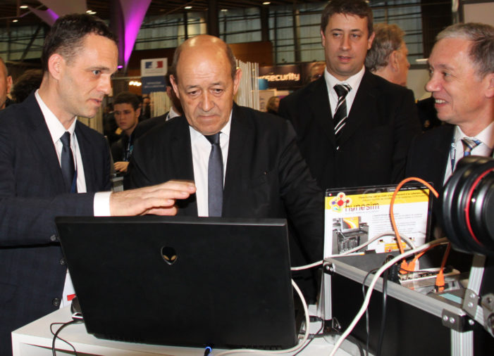 Finistere´s Diateam Cybersec Platform Hysesim with Defense Minister Yves Le Drian